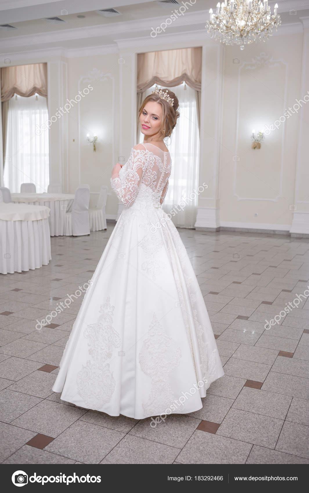 Novia de vestida