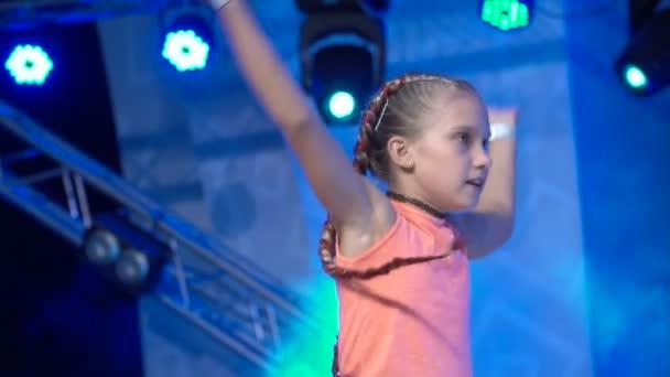 Modern tánc tánc lány