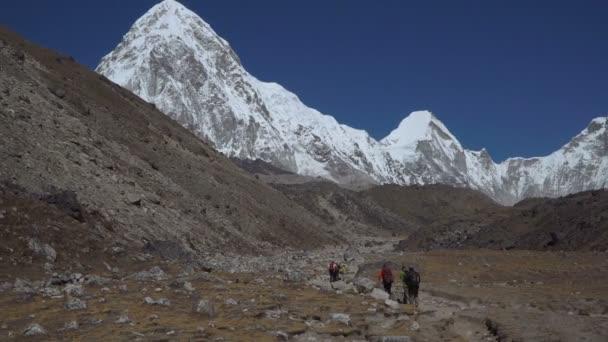 turistika v horách Himálaje