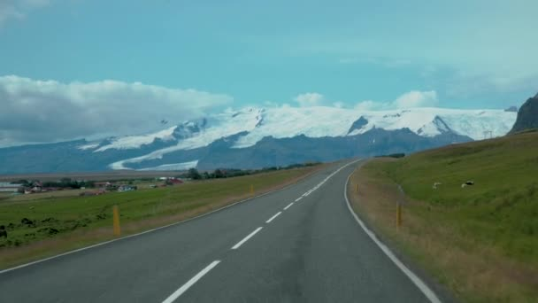 Autem na cestě na Island