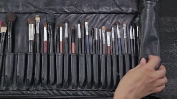 Detailní profesionální kosmetické make-up štětce