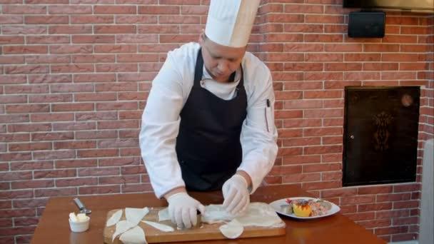 Szakács tészta vágás körök