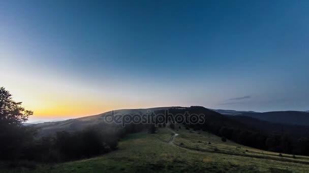 Západ slunce v údolí timelapse