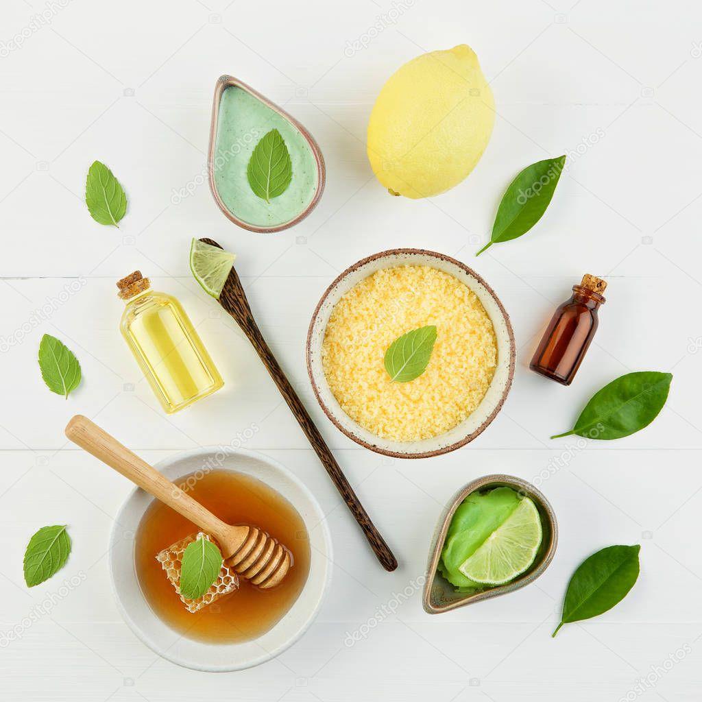 Olio essenziale di limone fatta in casa, bagno di sale e miele ...