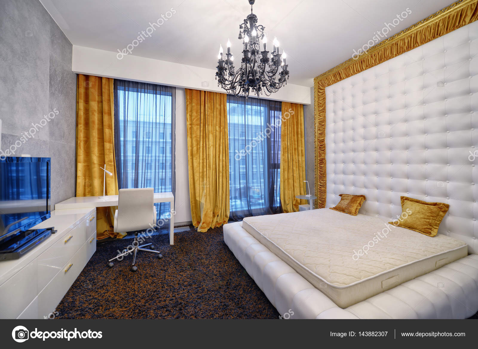 Modern interieur slaapkamer stad onroerend goed — Stockfoto ...