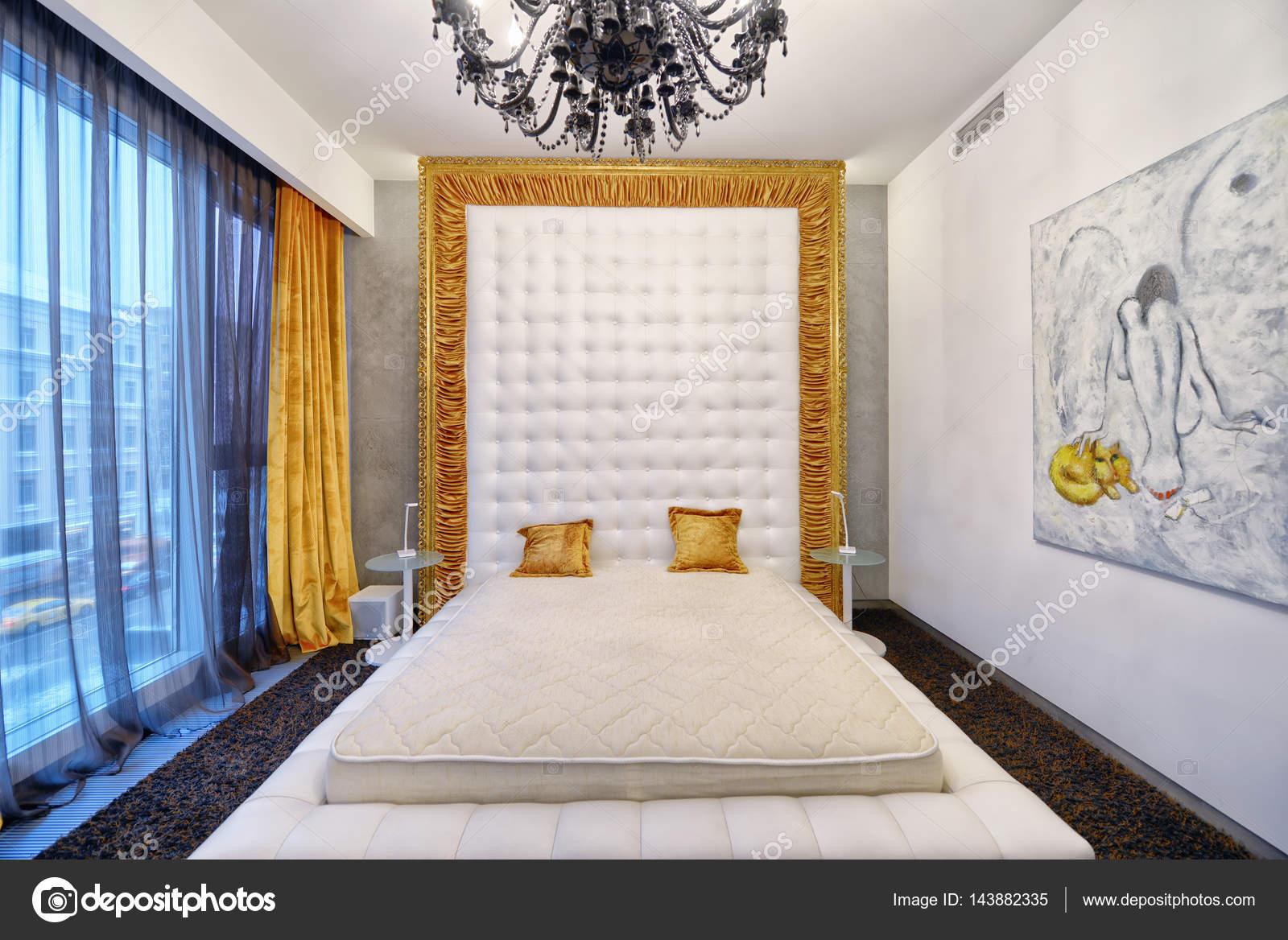 Arredamento moderno camera da letto città immobiliare — Foto Stock ...