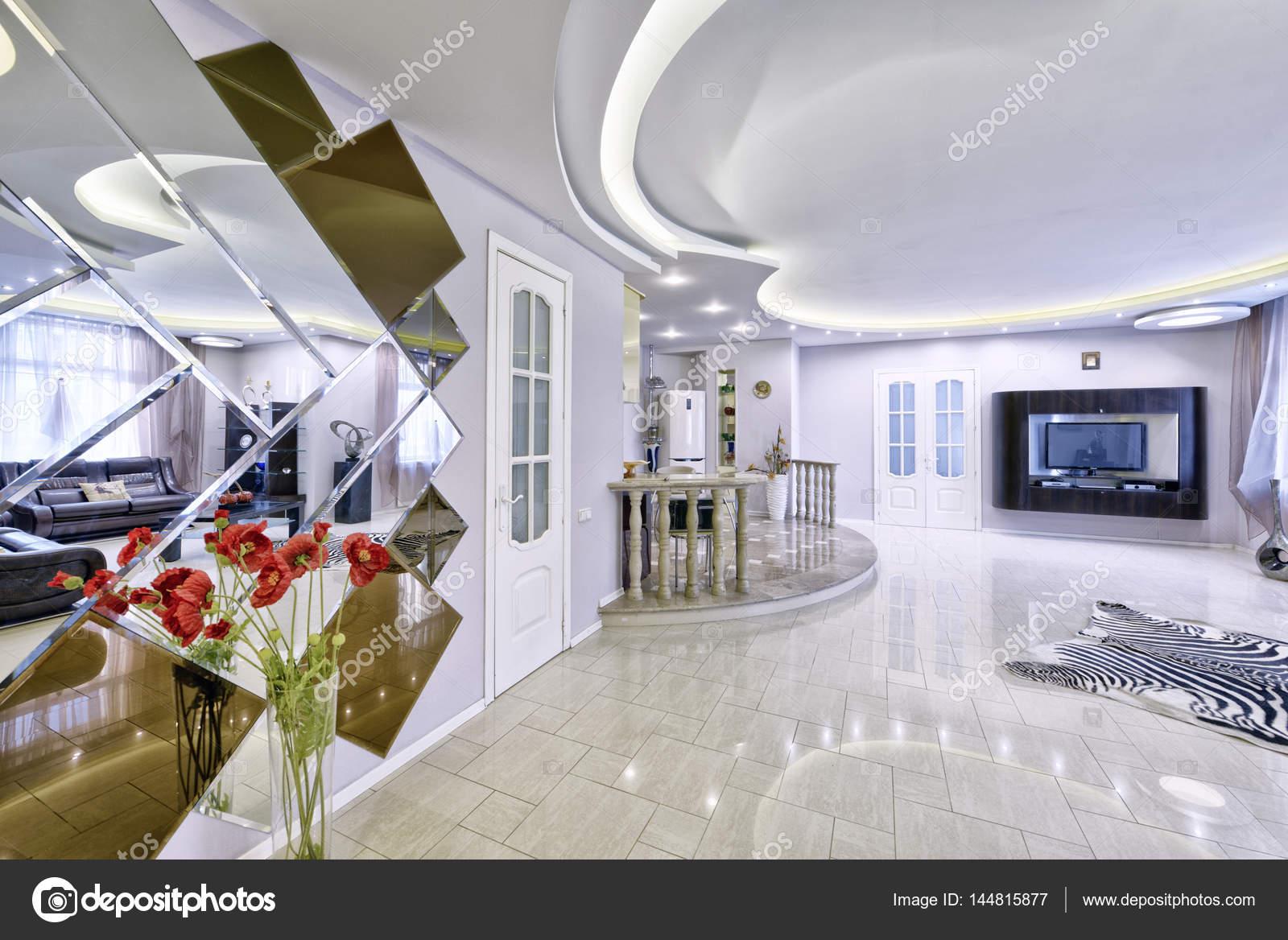Modern Interieur Woonkamer : Modern interieur woonkamer stedelijk vastgoed u2014 stockfoto