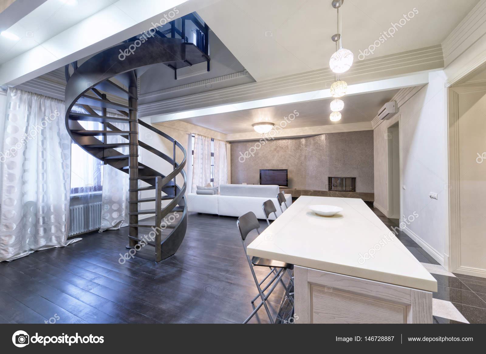 Minimalistische witte grijze keuken met mezzanine moderne