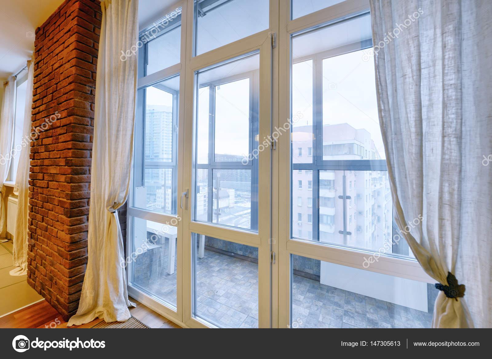 Russland, Moskau - Dekoration Vorhänge in der Küche — Stockfoto ...