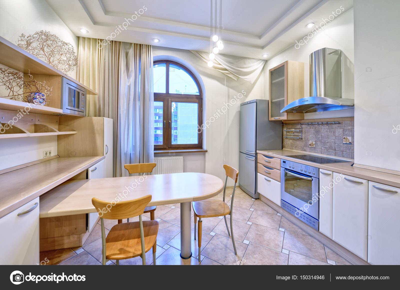 Nieuwe Design Keuken : Interieur design moderne keuken in het nieuwe huis u stockfoto