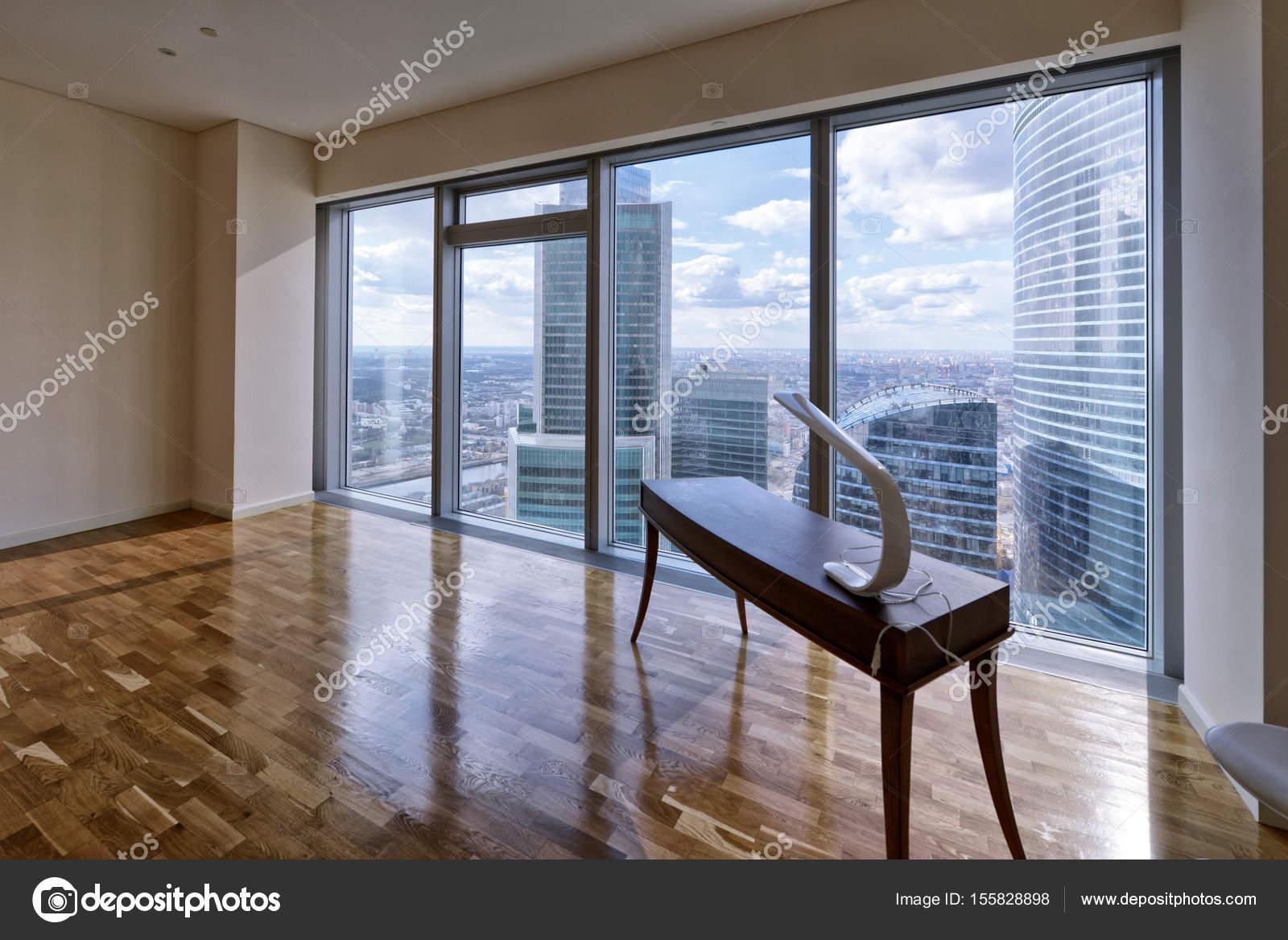 Interni Moderni Case Di Lusso : Interni moderni in una nuova casa di lusso con vetrate panoramiche