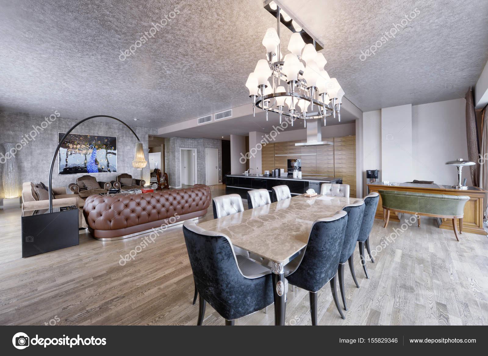 Luxe woonkamer interieur — Stockfoto © ovchinnikovfoto #155829346