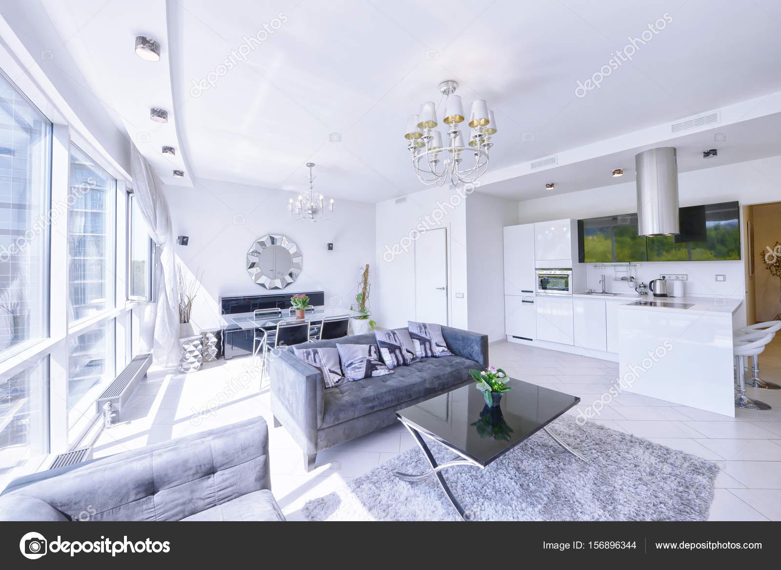 Interieur van de keuken woonkamer in een modern huis u2014 stockfoto