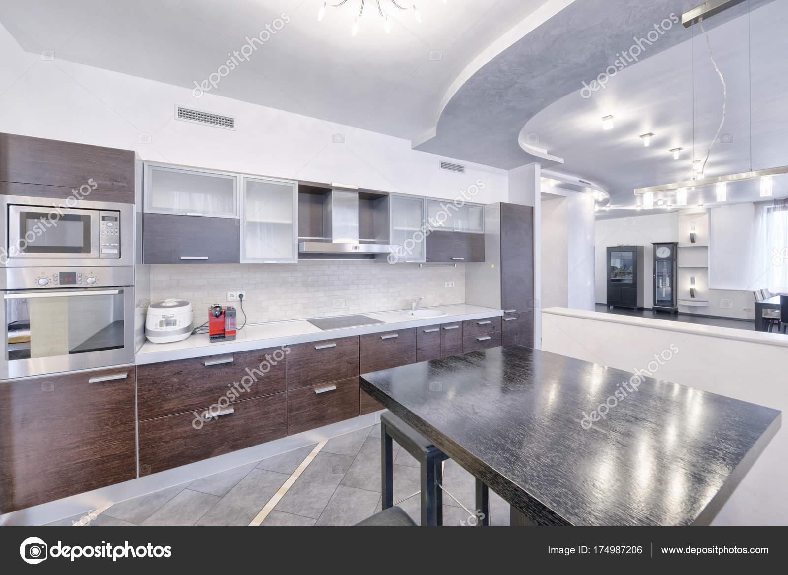 Nieuwe Design Keuken : Interieur design moderne keuken het nieuwe huis u stockfoto