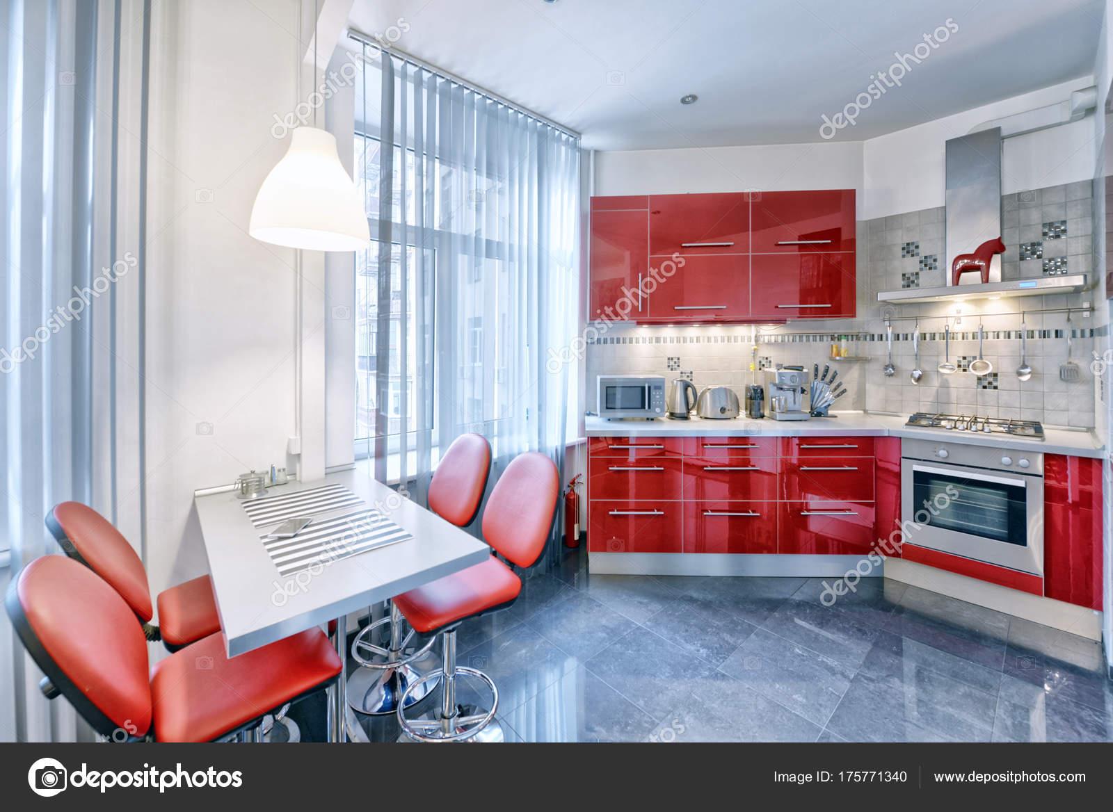 Küche Interieur Roter Farbe Modernes Haus — Stockfoto ...