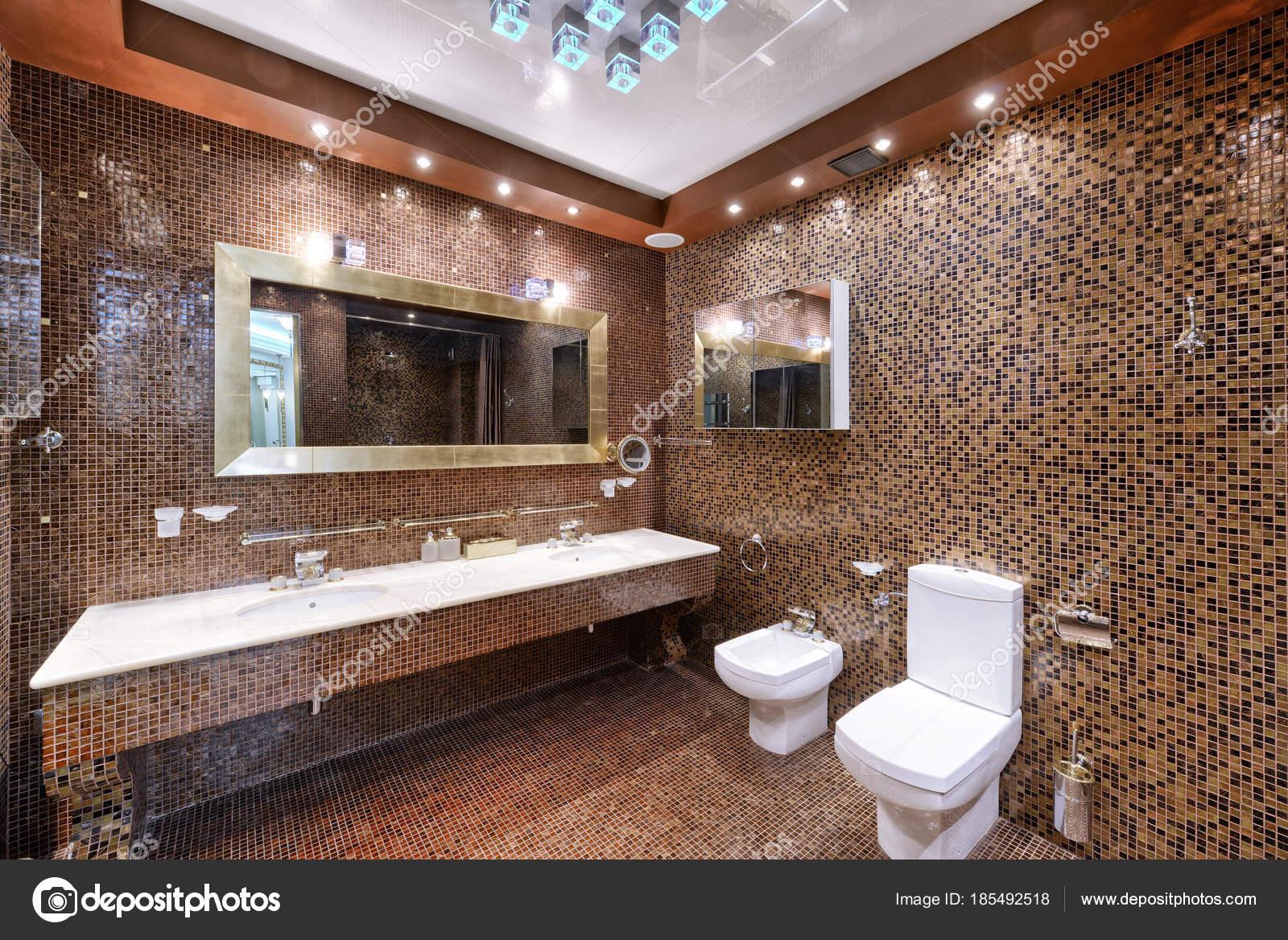 Dise o interiores casa lujo cuarto ba o elegante foto de for Diseno de interiores apartamentos medellin