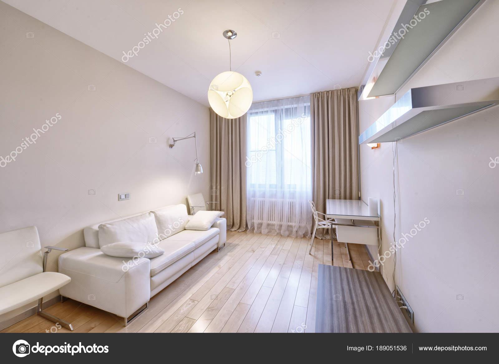 Zimmer Nach Innen Modernes Haus — Stockfoto © ovchinnikovfoto #189051536