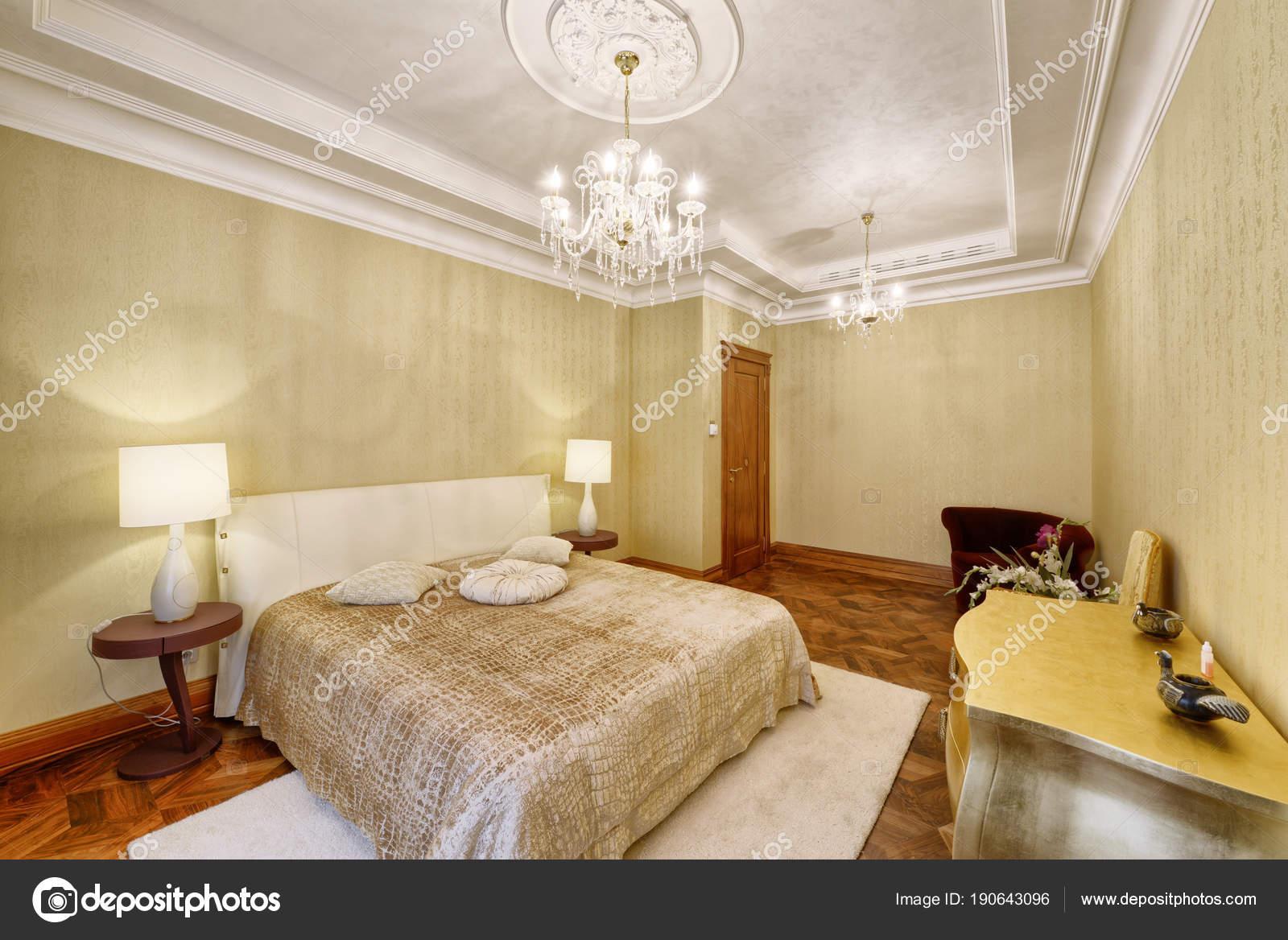Designer Moderne Renovierung Einem Luxushaus Stilvolle Schlafzimmer ...