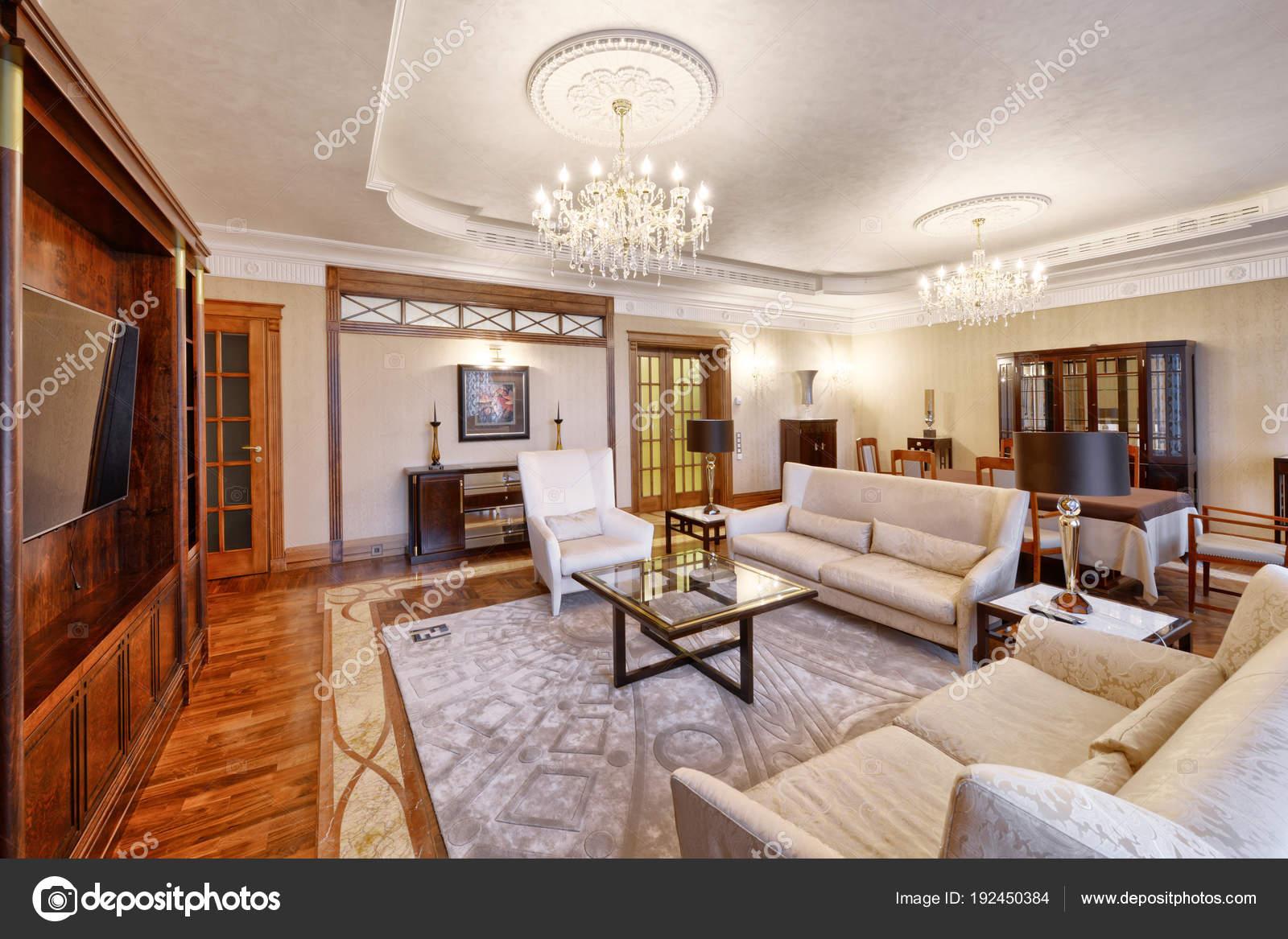 Salon Intérieur Maison Moderne — Photographie ...