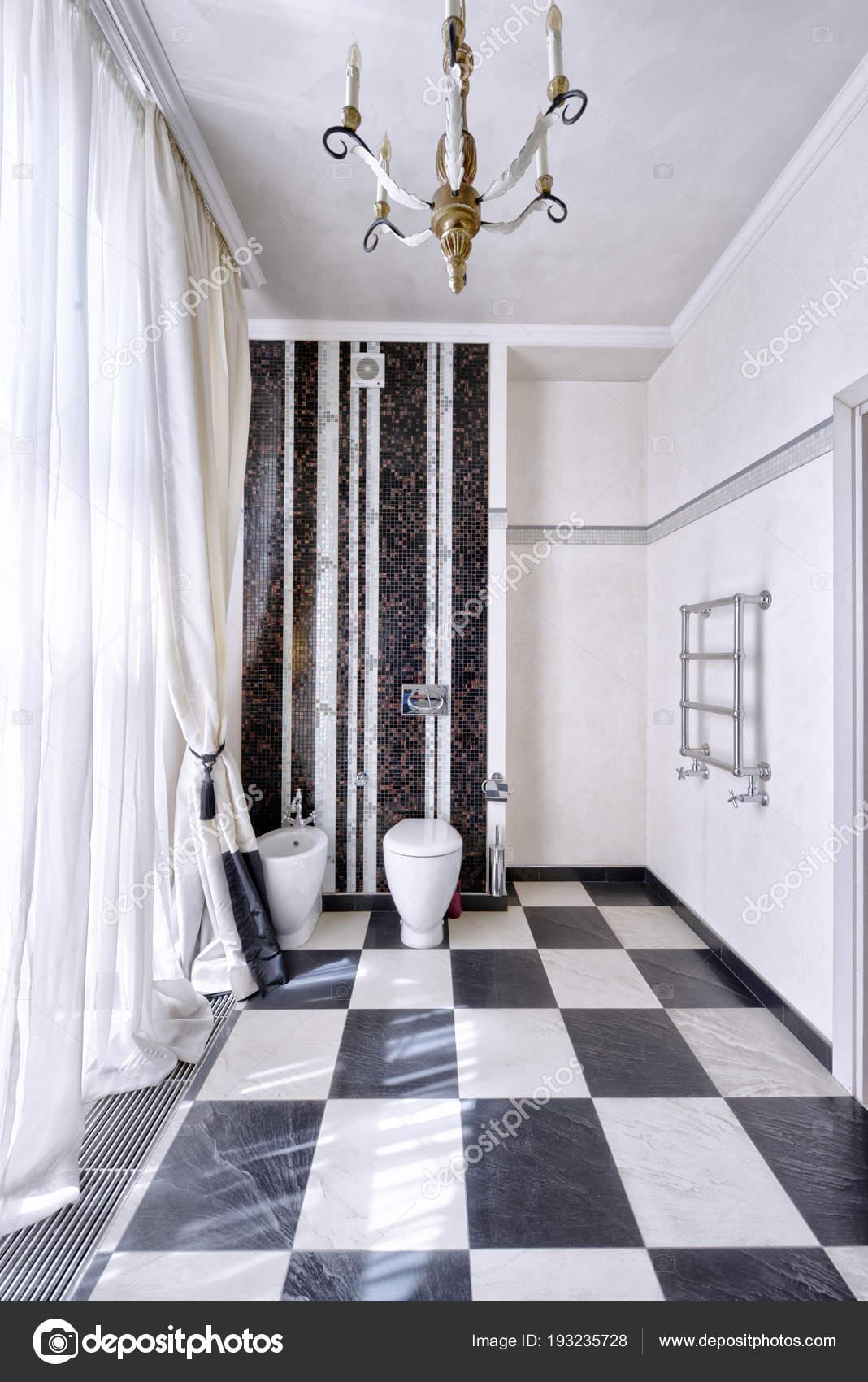Marbre Noir Blanc Int Rieur Une Salle Bains Moderne Dans Appartement