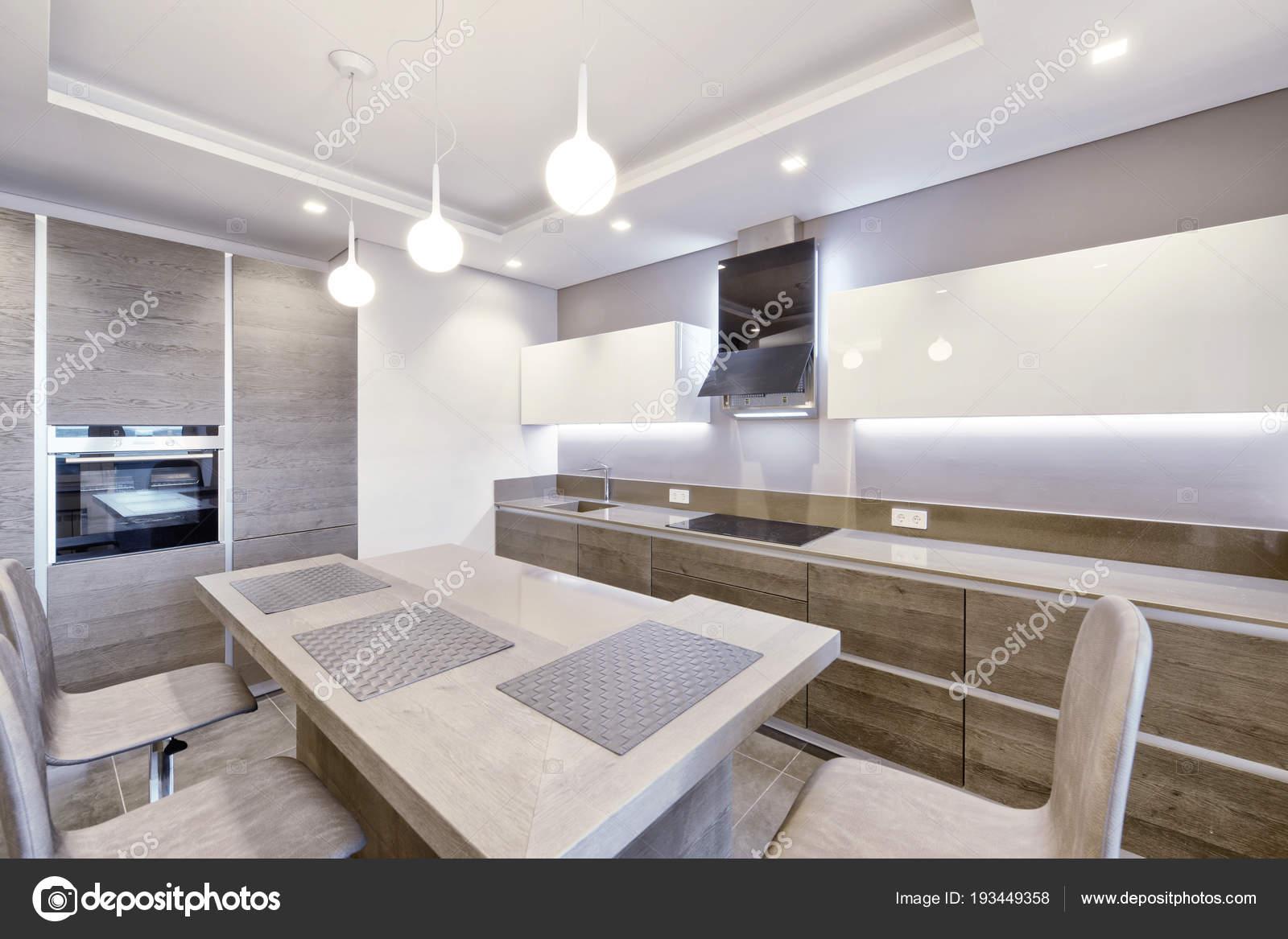 Cuisine Moderne Design Intérieur Dans Nouvelle Maison — Photographie ...
