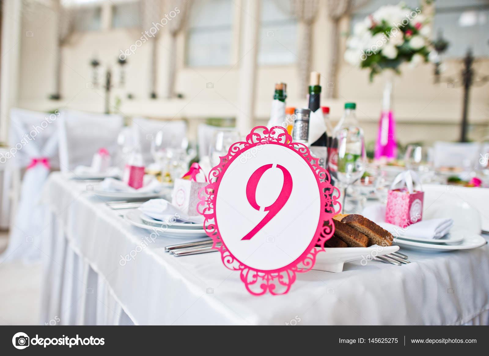 Nº de cuadro 9 en el salón de bodas de invitados de la boda — Fotos ...
