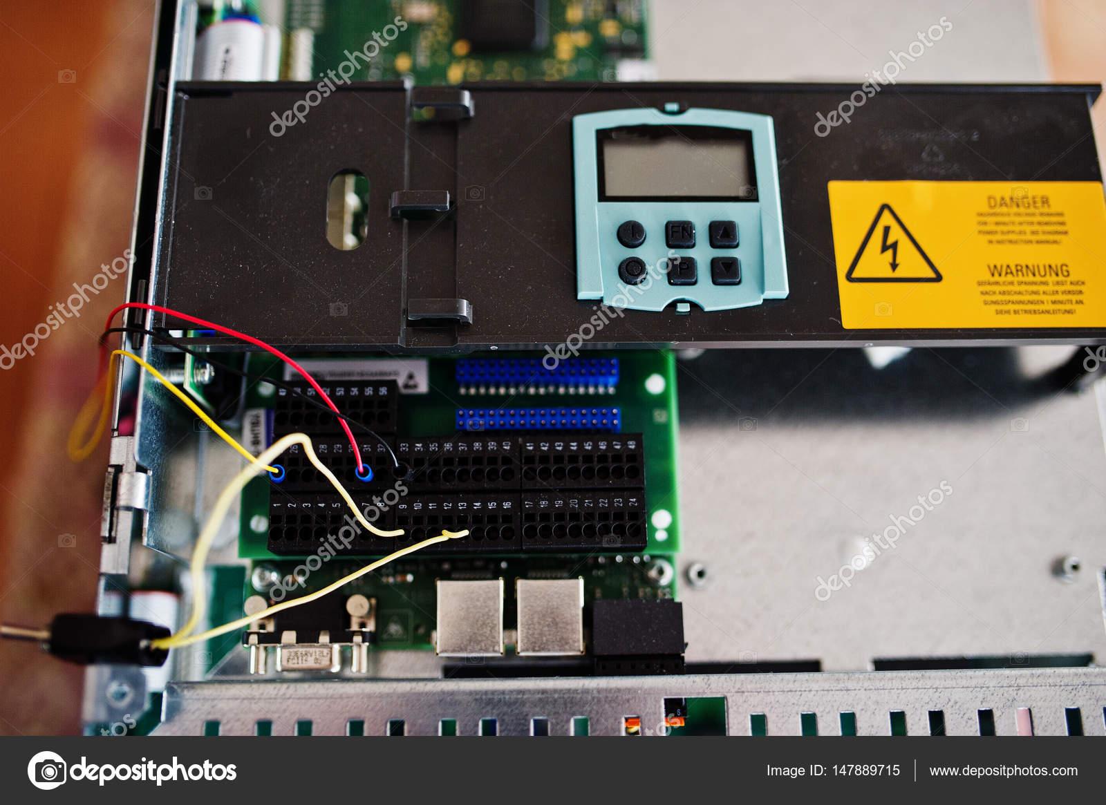 Panel eléctrico, contadores eléctricos y disyuntores. Eléctrica ...