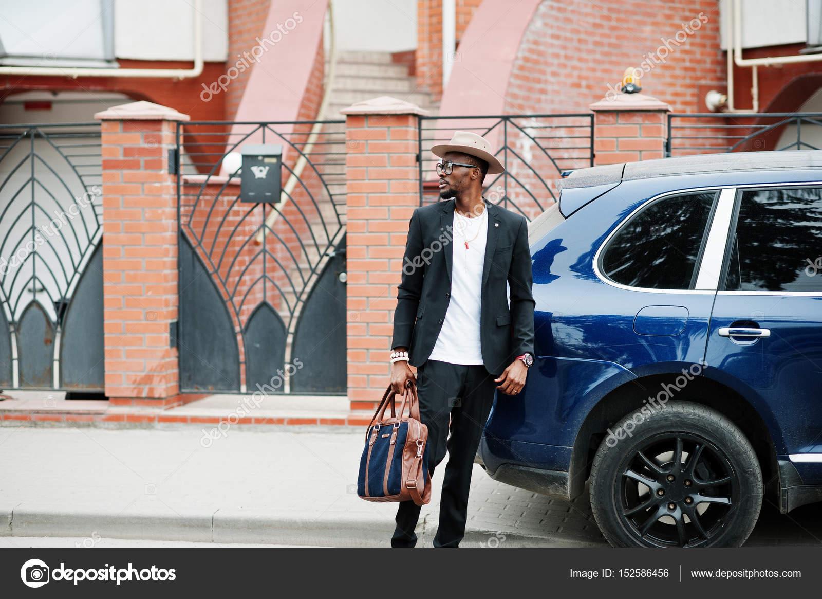 Αμερικάνικη γυναίκα που βγαίνει με έναν αφρικανικό άντρα