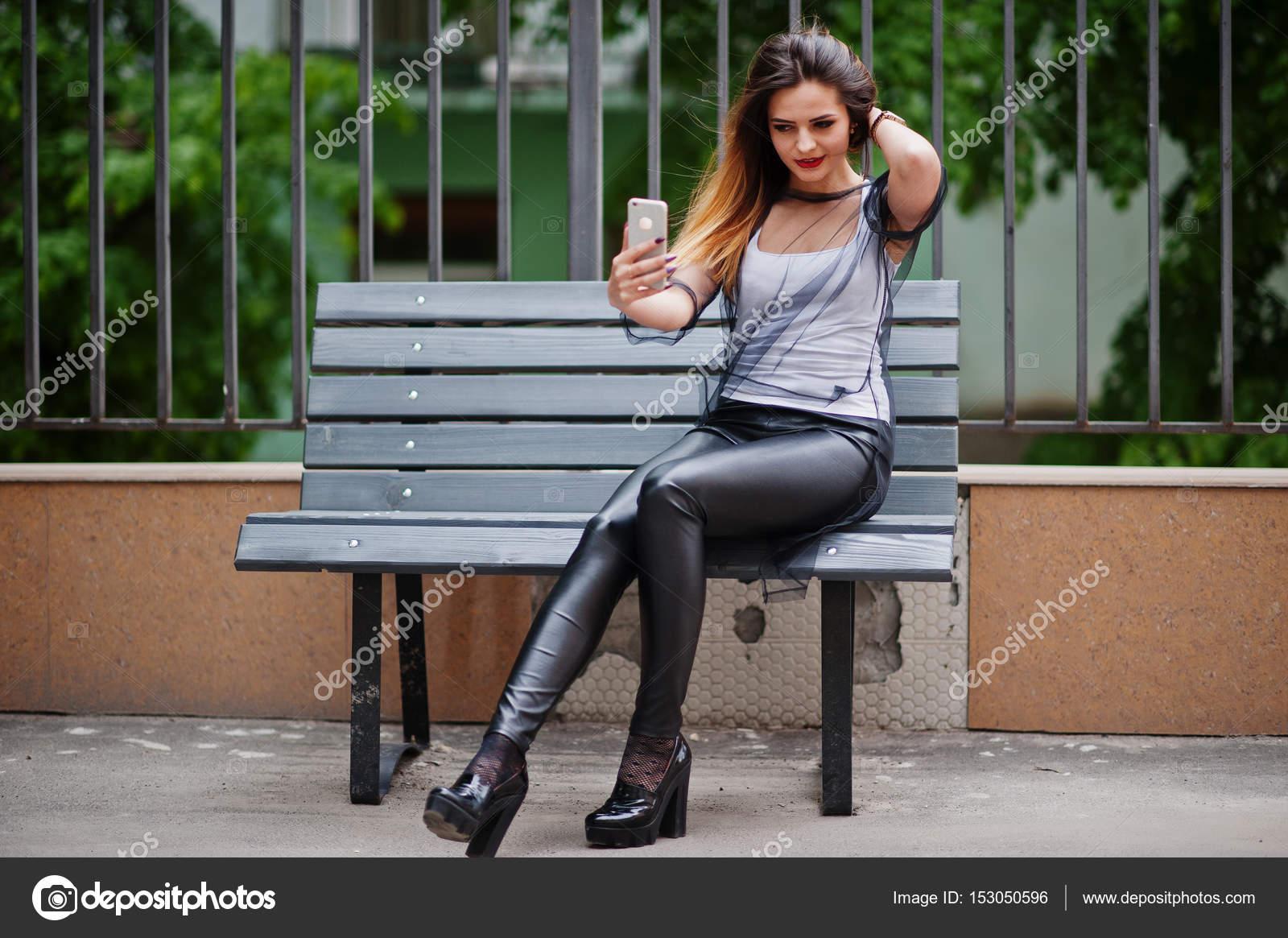 Порно прозрачные штаны фото на улице дама ххх видео