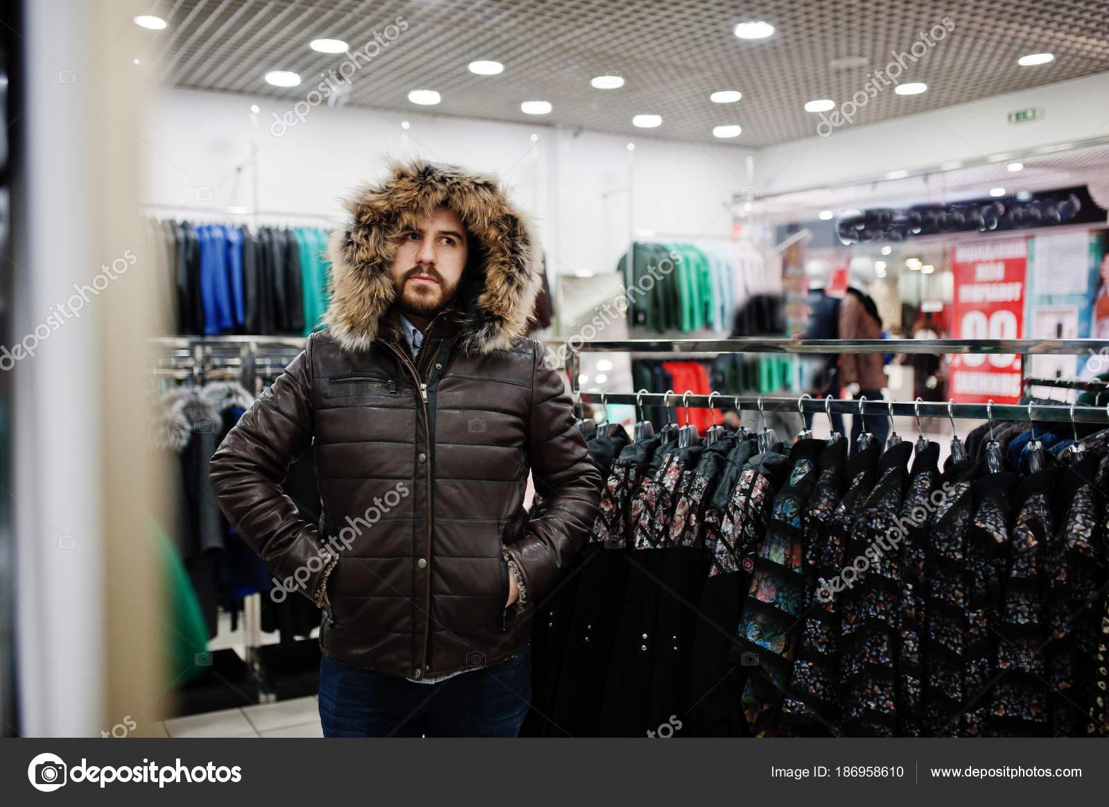 negozio Uomo e presso giacca alla pelle di il di turca pellicce moda wqCSRXq