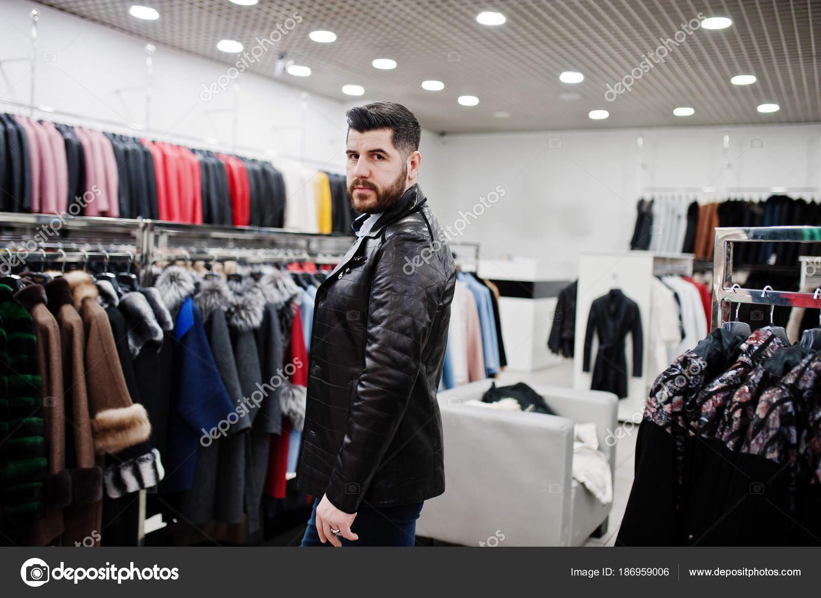 zapatos deportivos a360e 0bec0 Hombre turco en ingles   Hombre con estilo turco en la ...