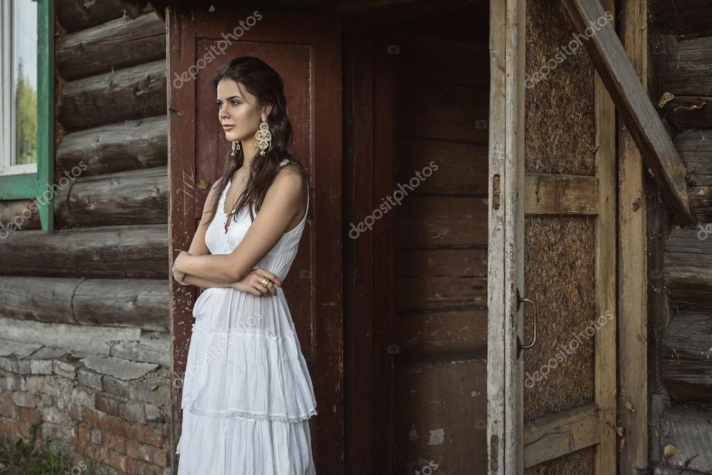 Soñar Con Muchacha En Un Vestido Blanco Foto De Stock