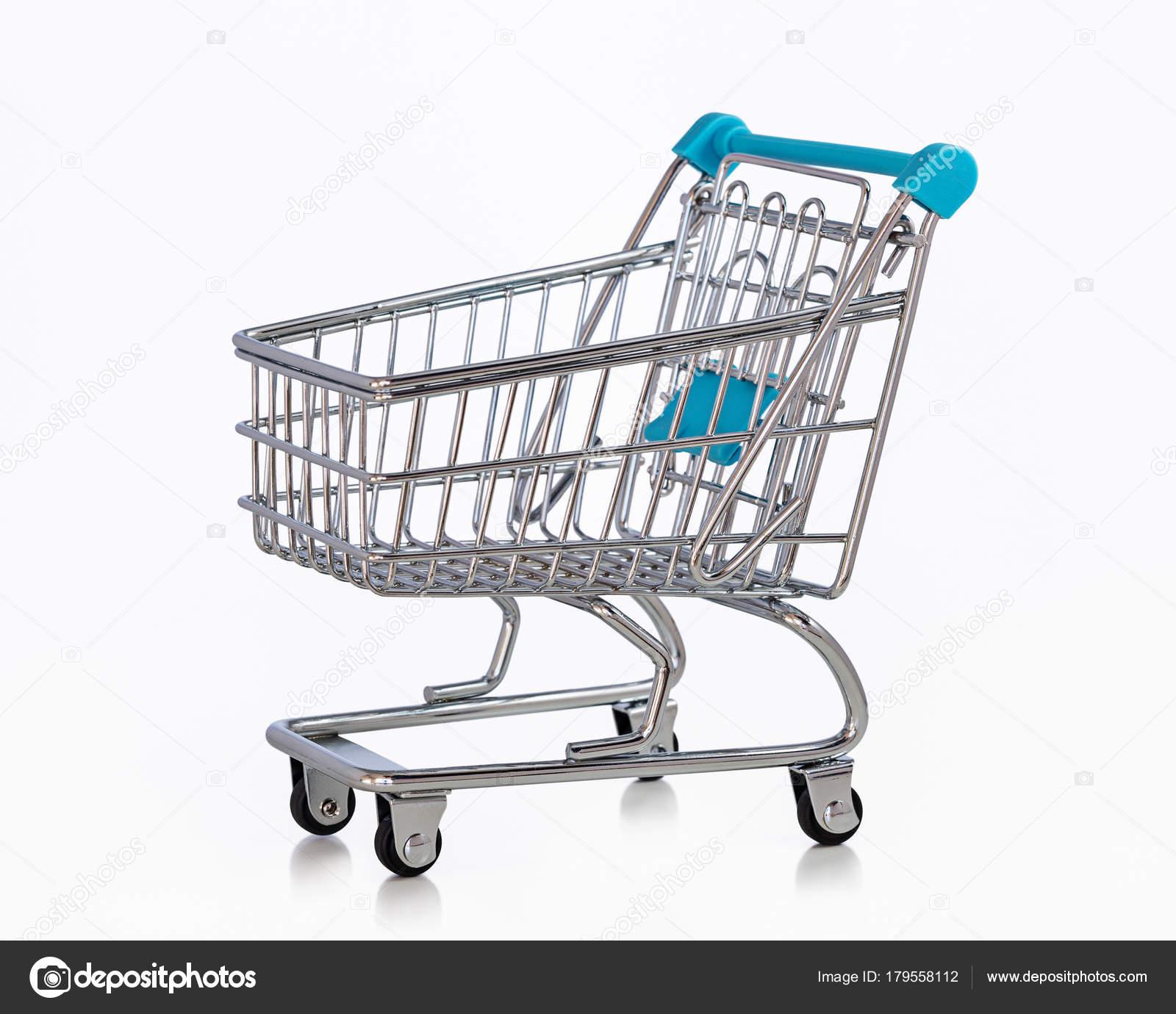 6c8b447f98 Miniatura metal, carrinho de compras no supermercado e mercado de compras —  Foto de kot36
