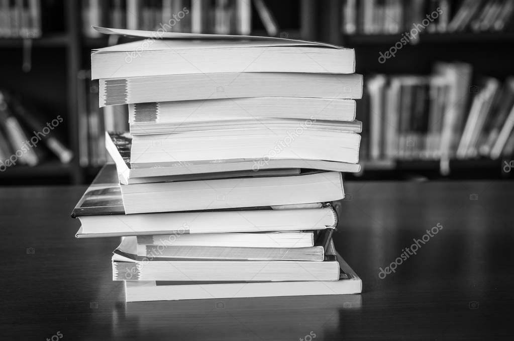 fekete tizenéves könyvek