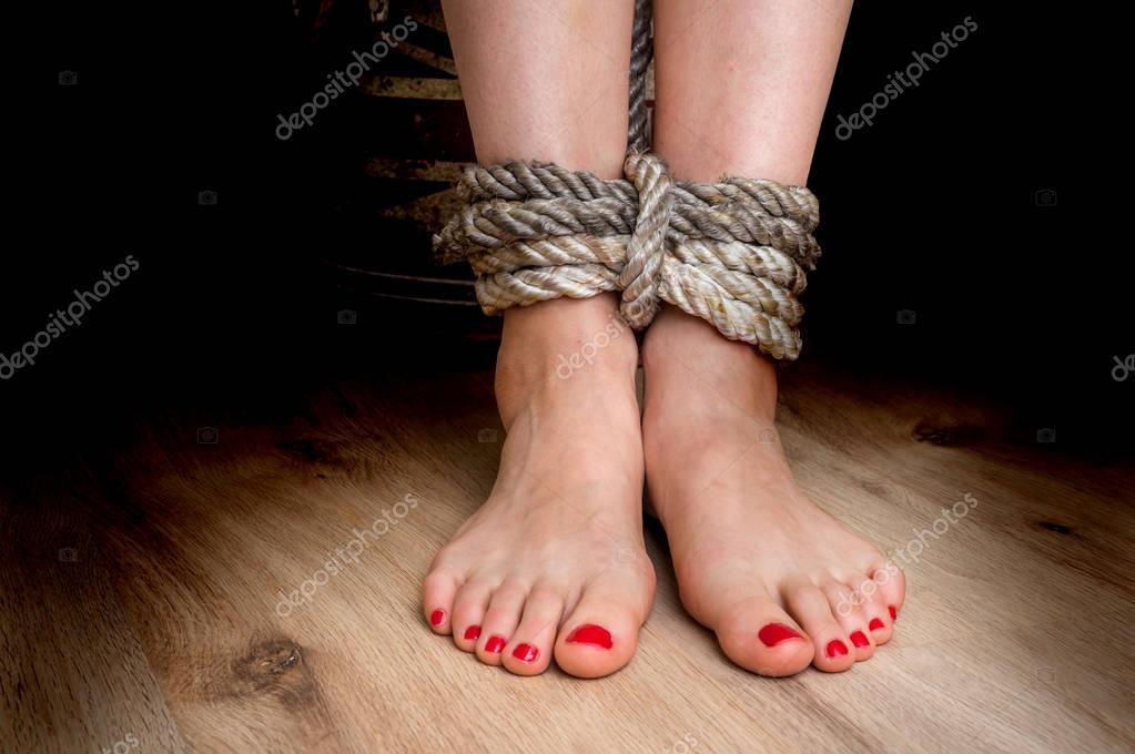 Gefesselte Füße