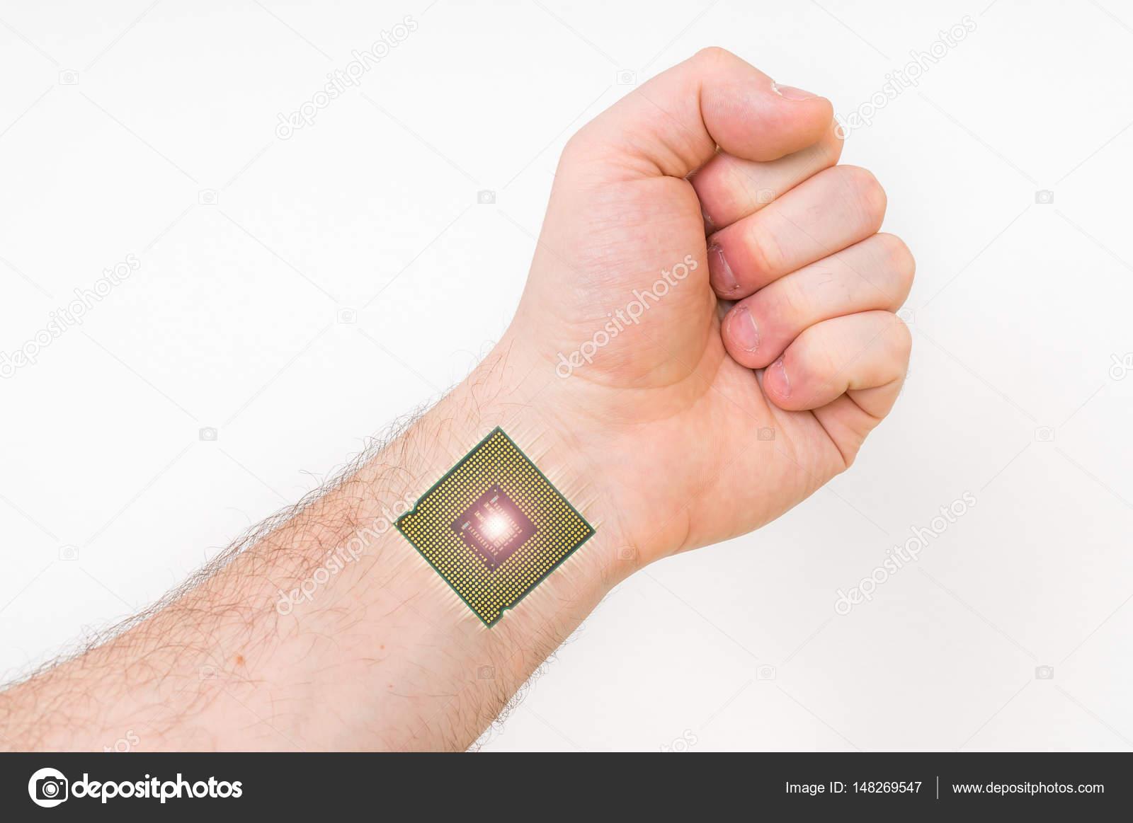 Bionic microchip dentro de cuerpo humano - concepto de cibernética ...