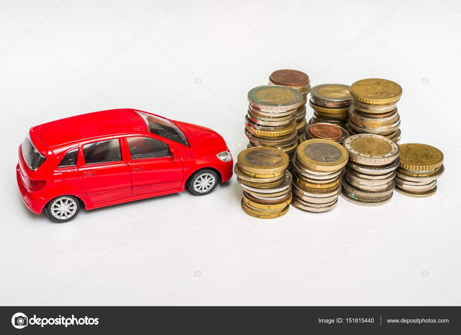 Geld En Speelgoed Auto Op Wit Verzekering Lening En Het Kopen Van