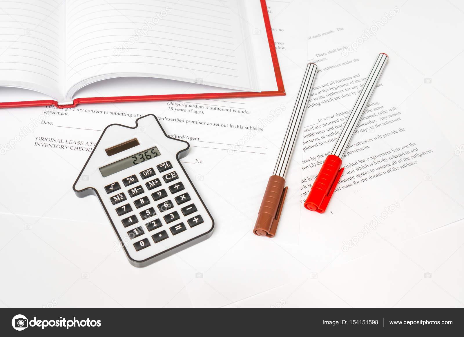Rechner Und Vertrag Hypotheken Und Immobilien Konzept Stockfoto