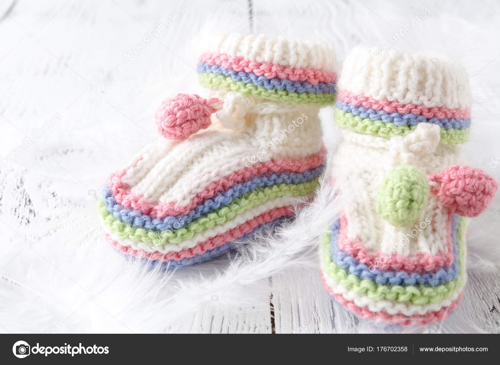 Zapatitos tejidos para niñas recien nacidas | Espera bebé ...