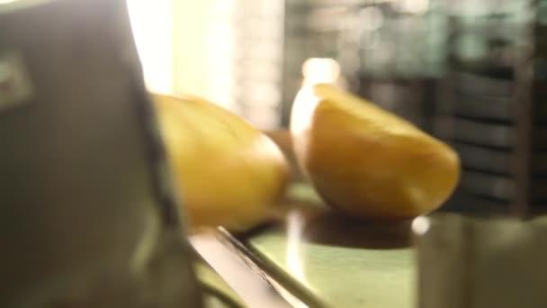 Conveyor with bread.