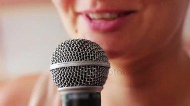 видео лесбиянки оргазм в рот