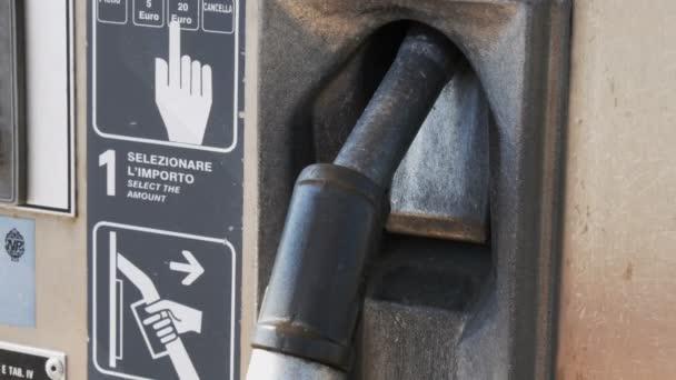 Benzín nebo čerpací stanice plynu palivové čerpadlo tryska. Čerpací stanice. Detail pomocí palivové trysky na čerpací stanici.