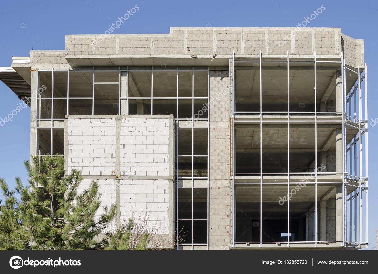Pareti Esterne Casa : Casa di pareti esterne in costruzione u foto stock uhfybn