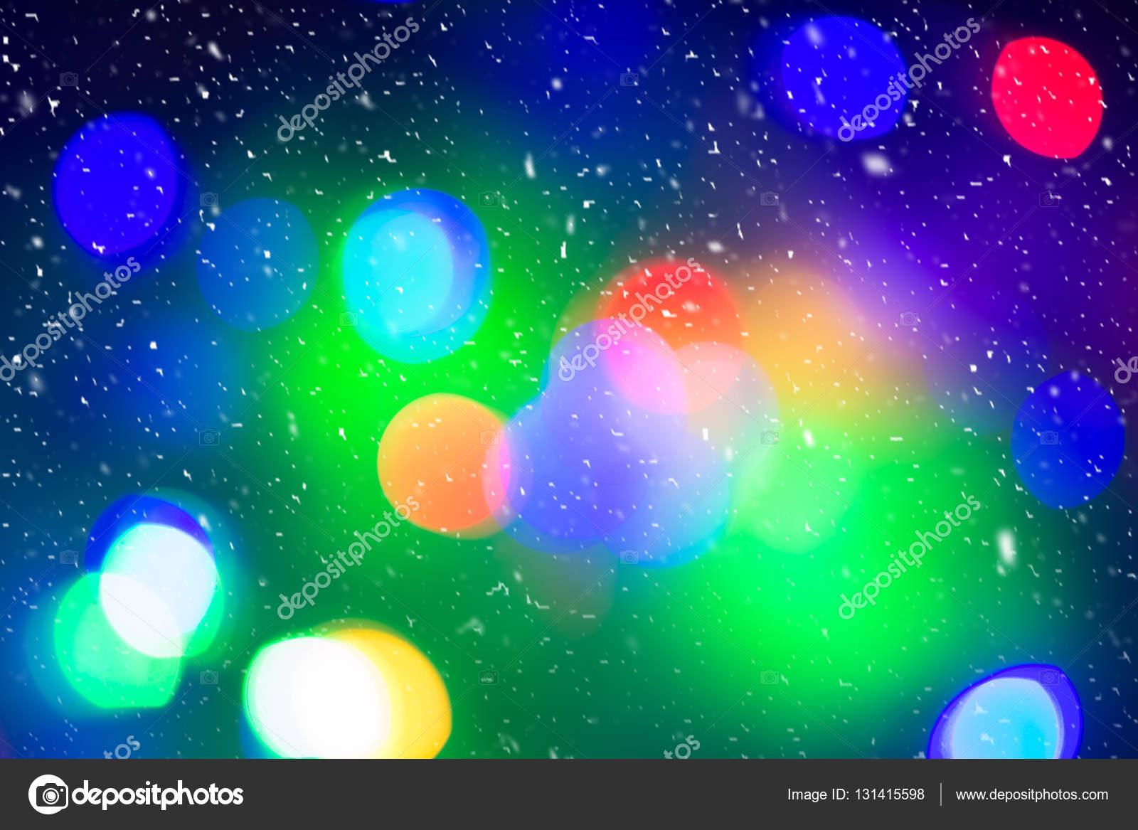 Defocused coloridas luces de árbol de Navidad. Luces multicolores ...