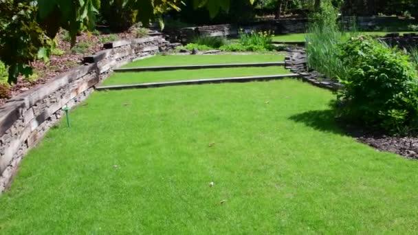 Zahradní centrum v jarním období. Zahradnictví.