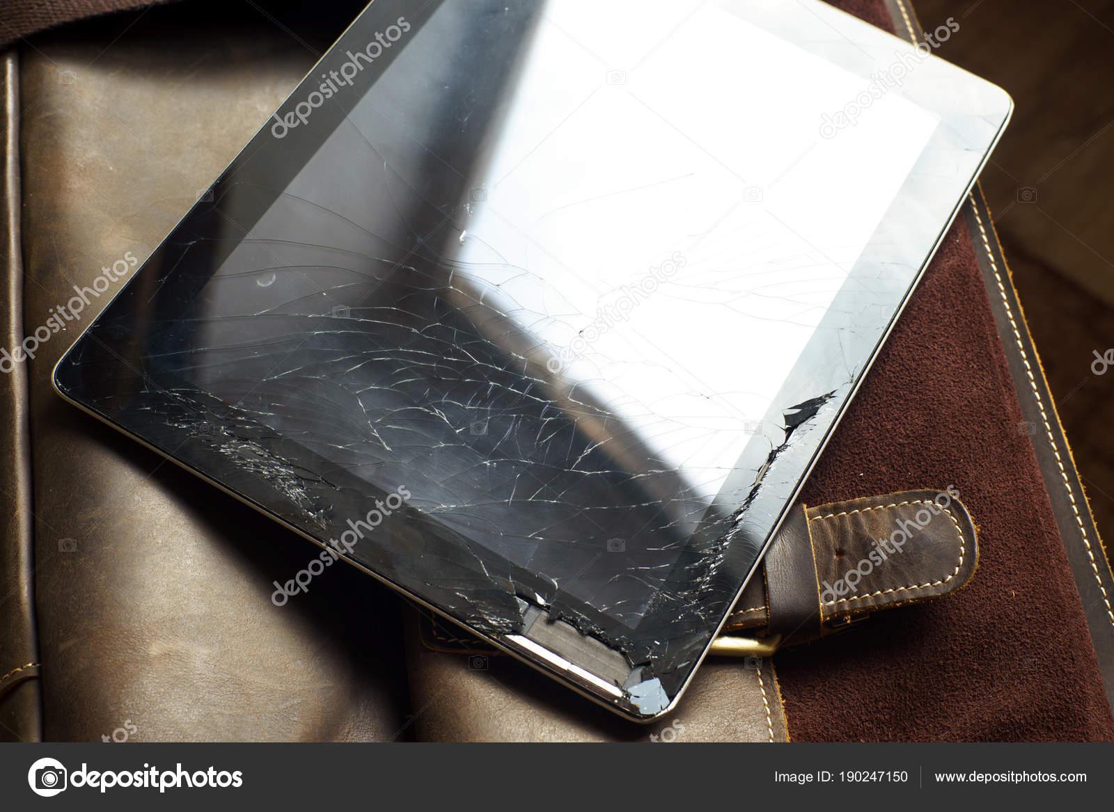 Réparer la tablette ordinateur avec écran tactile cassé de bureau