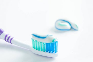 Toothbrush and applied toothpaste