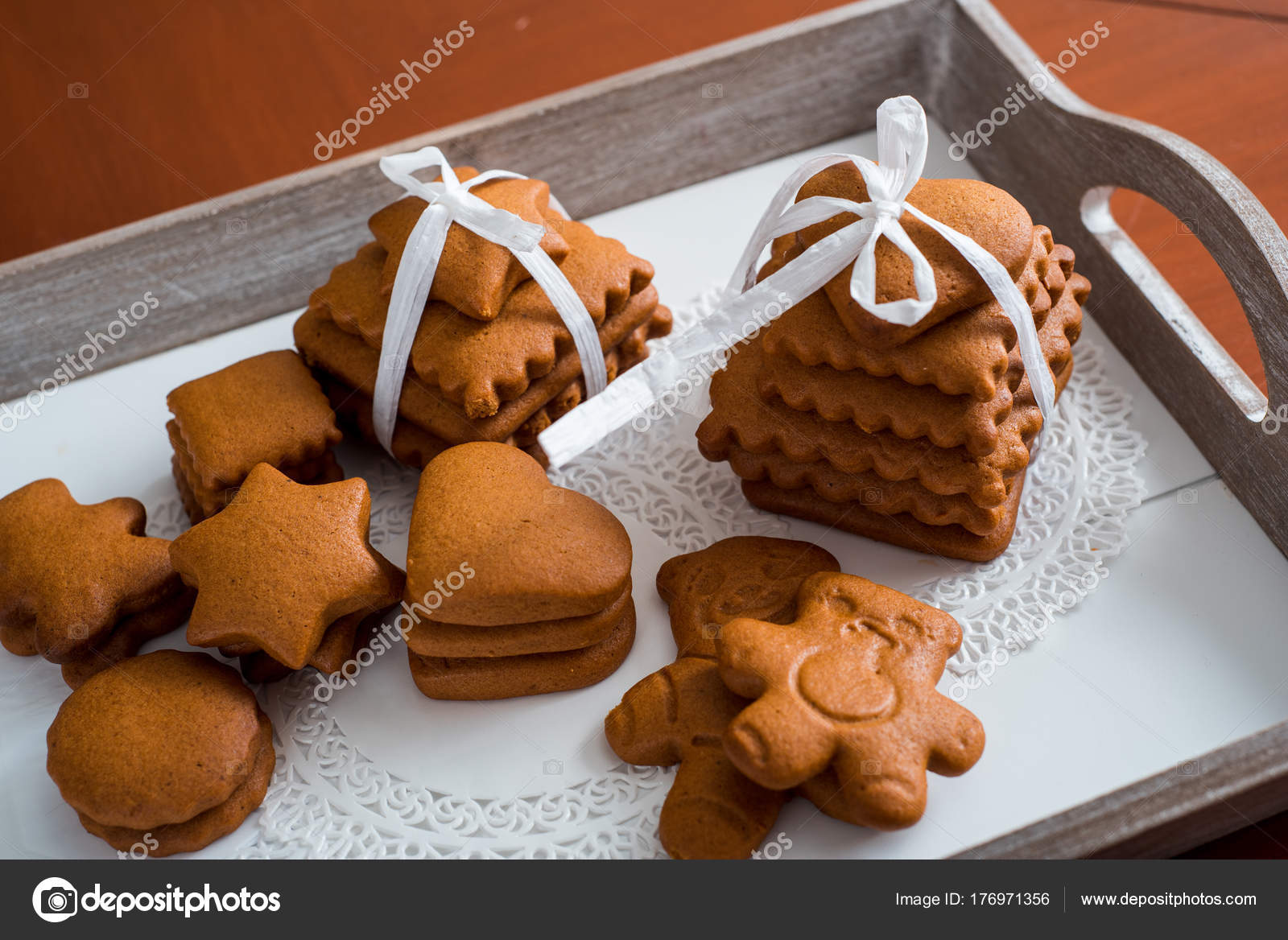 Gingerbread Cookies With Cinnamon A Set Of Gingerbread In The