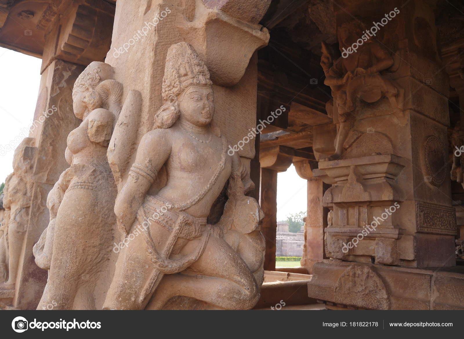Statues Decorating Columns Ancient Temple City Aykhole India ...
