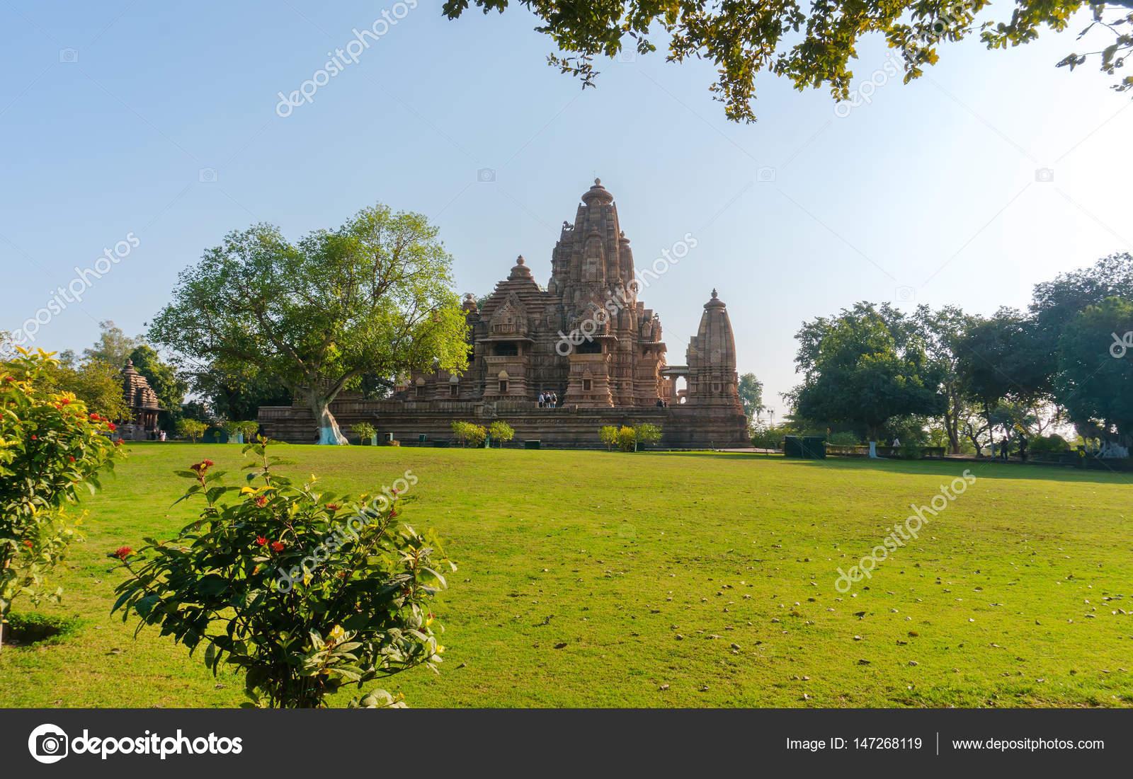 Antiguo templo hindú, construido por Chandela Rajputs, en sitio ...